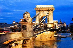 hungary-budapest-chain-bridge-evening